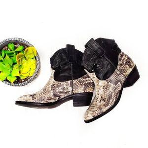 🎉Sam Edelman Stevie Faux Snakeskin Cowboy Boot🎉